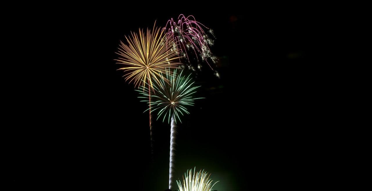 fireworks-316766_1280